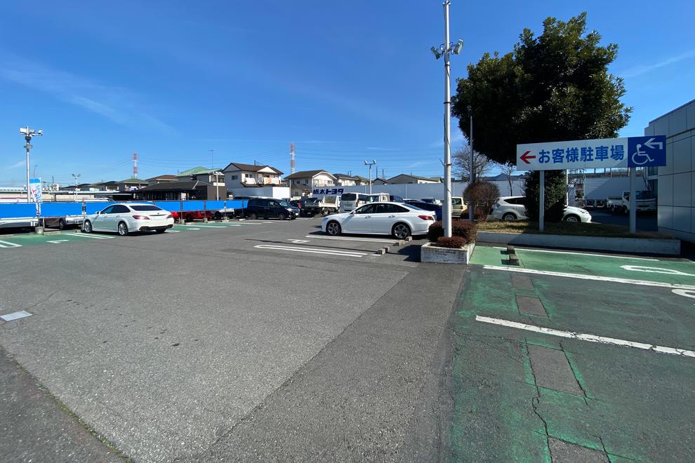 喜沢店駐車場