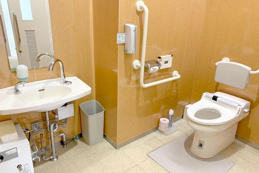 横田店 多目的トイレ