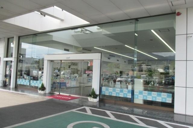 中津川店入口