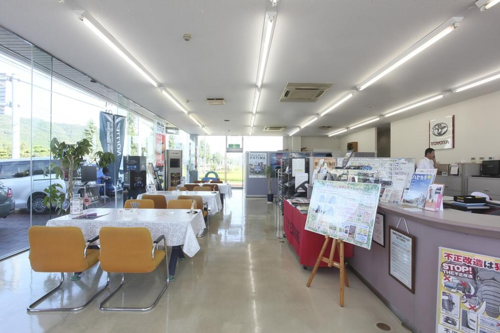 山口東店店内