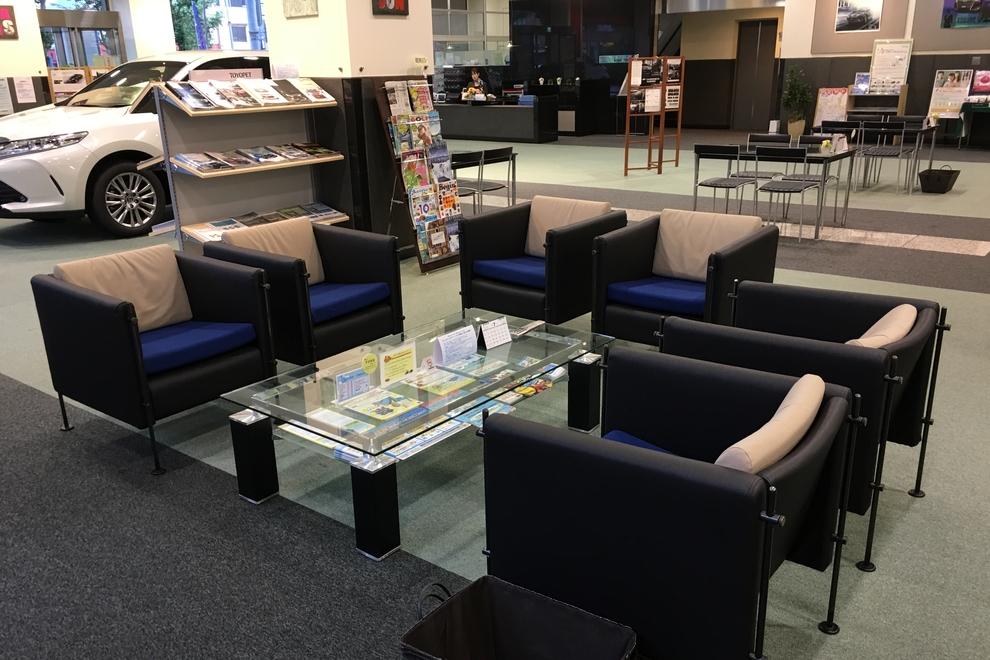 本社店ショールーム、トヨタ