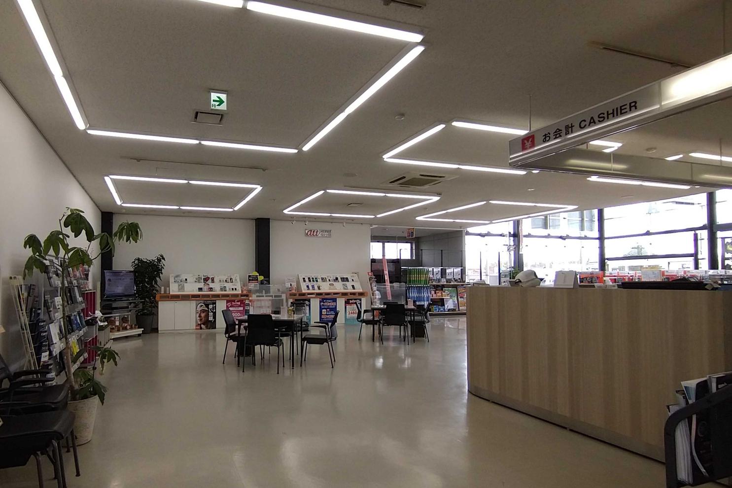 トヨタカローラ岩手 盛岡インター店 1階フロントフロア
