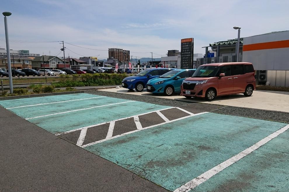 カローラ岩手 盛南店 駐車スペース