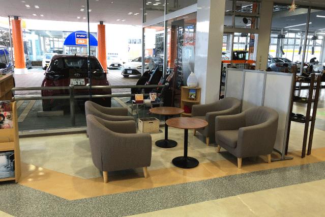 郡山店店内画像‗待合スペース
