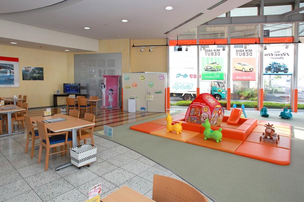 03_宇部店店内-1