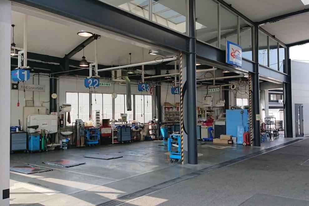 高砂店整備工場